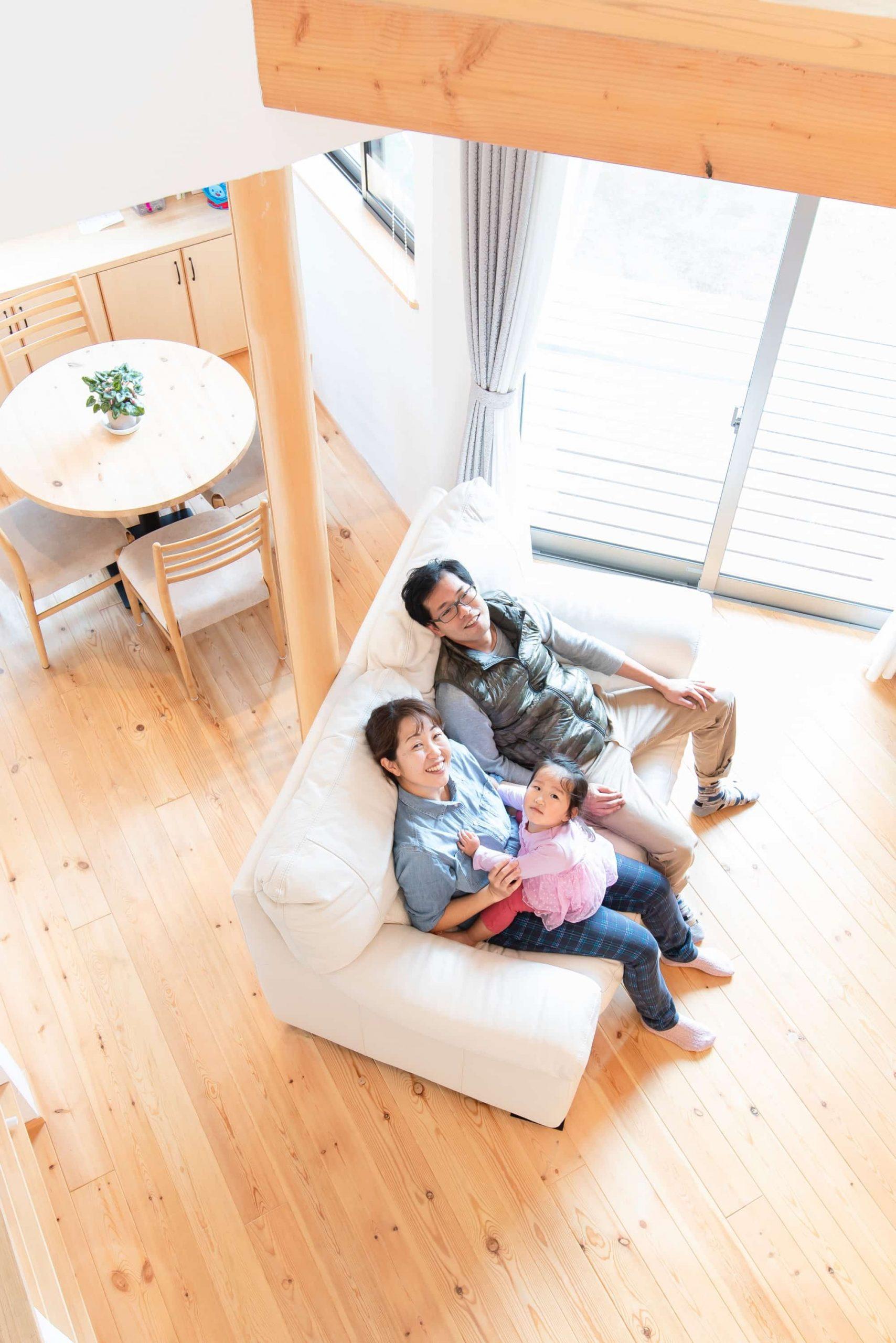 自然素材が心地よい。家事ラクな子育て世代の家